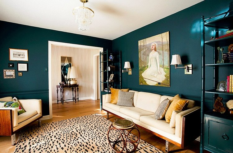 Creative-combination-of-teal-and-yellow-in-the-living-room