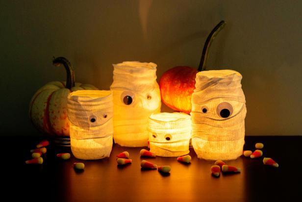 mummy+jars
